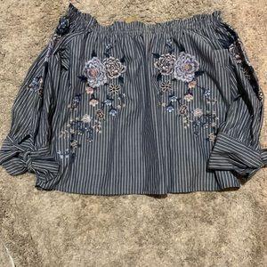 Off the shoulder crop blouse
